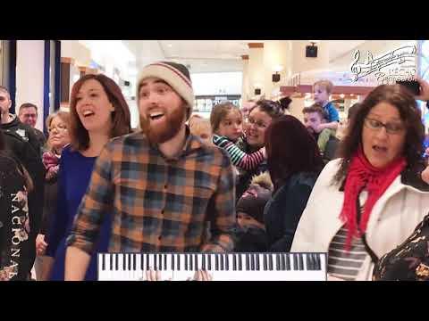 """Flash Mob - """"Medley Roi Lion"""" par l'Écho Beauceron"""