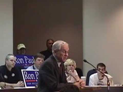 Ron Paul: I don't believe in evolution