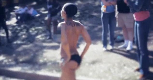 Erykah Badu  nackt