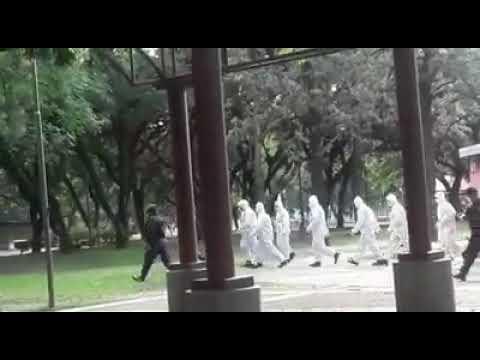 CIUDAD DE JUJUY: DESALOJO DE LA PLAZA SAN MARTIN DEBIDO A LA CUARENTENA GENERAL OBLIGATORIA - PROVINCIA DE JUJUY, ARGENTINA