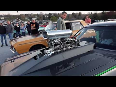 Muscle and A Mad Mopar At the 2017 Motor Menders Friday Night Cruise