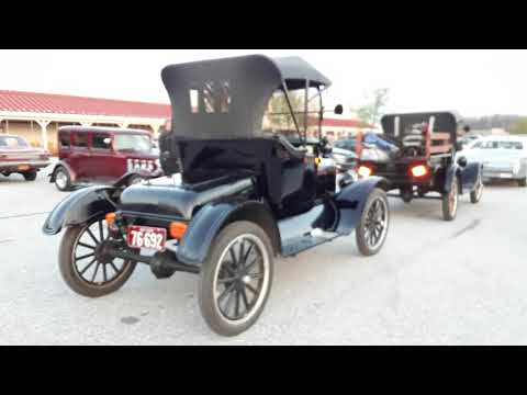 Ford Model T Lizzies Leaving the 2018 Motor Menders Friday Night Cruise