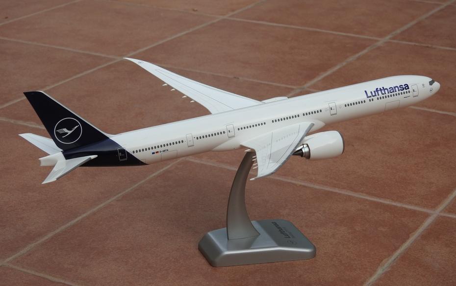 Hogan 1:200 Lufthansa B777-9