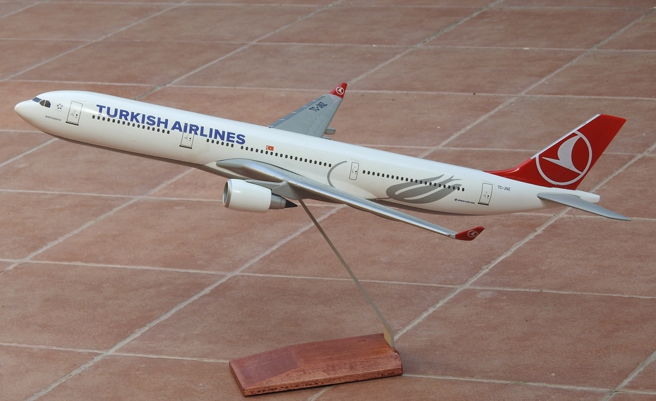 1:100 Turkish Airlines A330-300