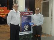 """Na companhia do nosso Comandante do 5º BIL de Lorena, durtante o evento de lançamento do livro """"CASOS E CAUSOS DA CASERNA"""" ."""