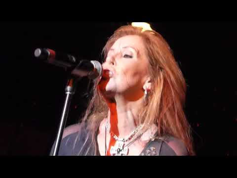 LITA FORD - Cherry Bomb - Monsters Of Rock Cruise 2018