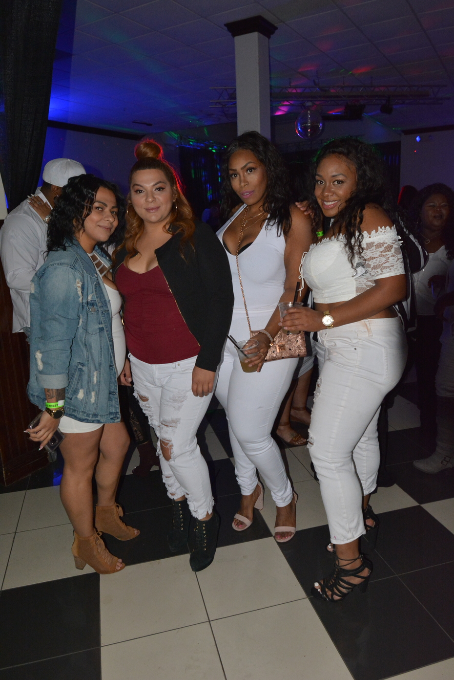 Vibe All White Affair