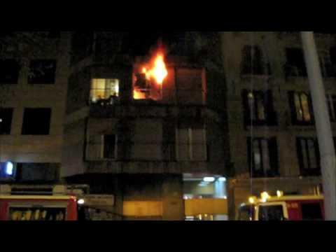 Incendio en la calle Córsega con Pau Claris (Barcelona) 24/11/09