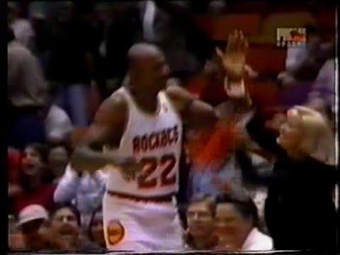 Clyde Drexler (29pts/11rebs/11asts) vs. Mavericks (1995)