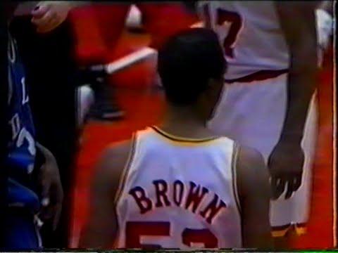 Chucky Brown (19pts/14rebs) vs. Mavericks (1995)
