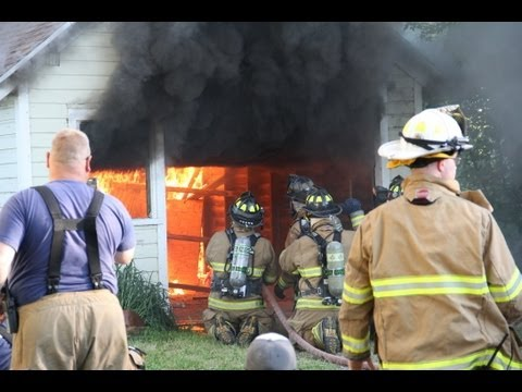 Firefighter Widow Maker - Garage Door   LIVE BURN training AVOID THIS CLOSE CALL