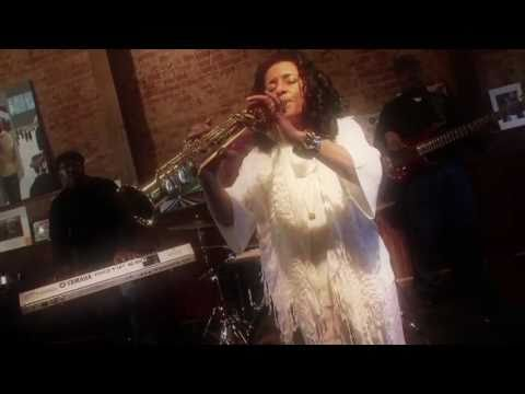 Joyce Spencer - Sweet Dreams - Official Music Video