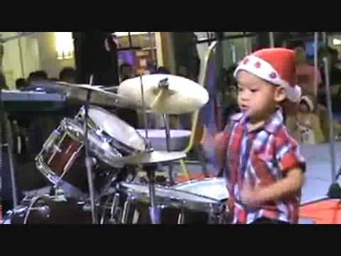 Howard Wong an Amazing 3 year old drummer