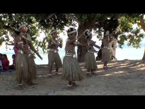 Banaban childern dancing from Tabiang School 15 Aug 2011