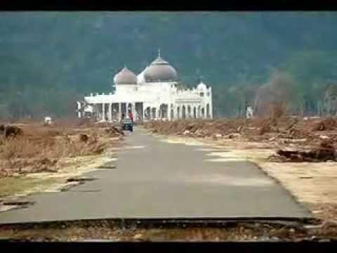Tsunami mosques Miracle of Allah