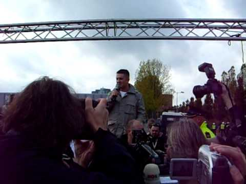 EDL-Demo Amsterdam 1: Tommy Robinson 30.10.2010