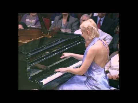 Violetta Egorova performs Rachmaninoff Polka de VR