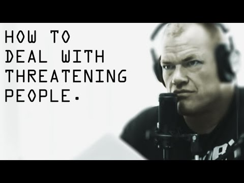 How To Deal With Threatening People in Public - Jocko Willink