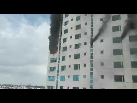 INCENDIO DE EDIFICIO EN BOCA DEL RÍO - VERACRUZ, MÉXICO