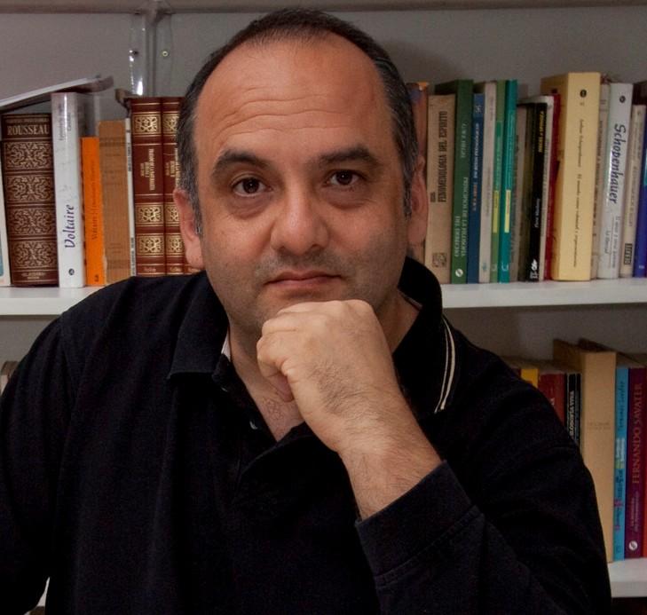 Gustavo Santiago