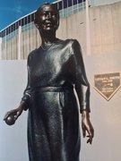 Statue of Vivian Smith