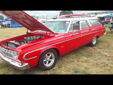 Vintage Dodge and Plymouth Station Wagons At the 2020 Chrysler Nationals