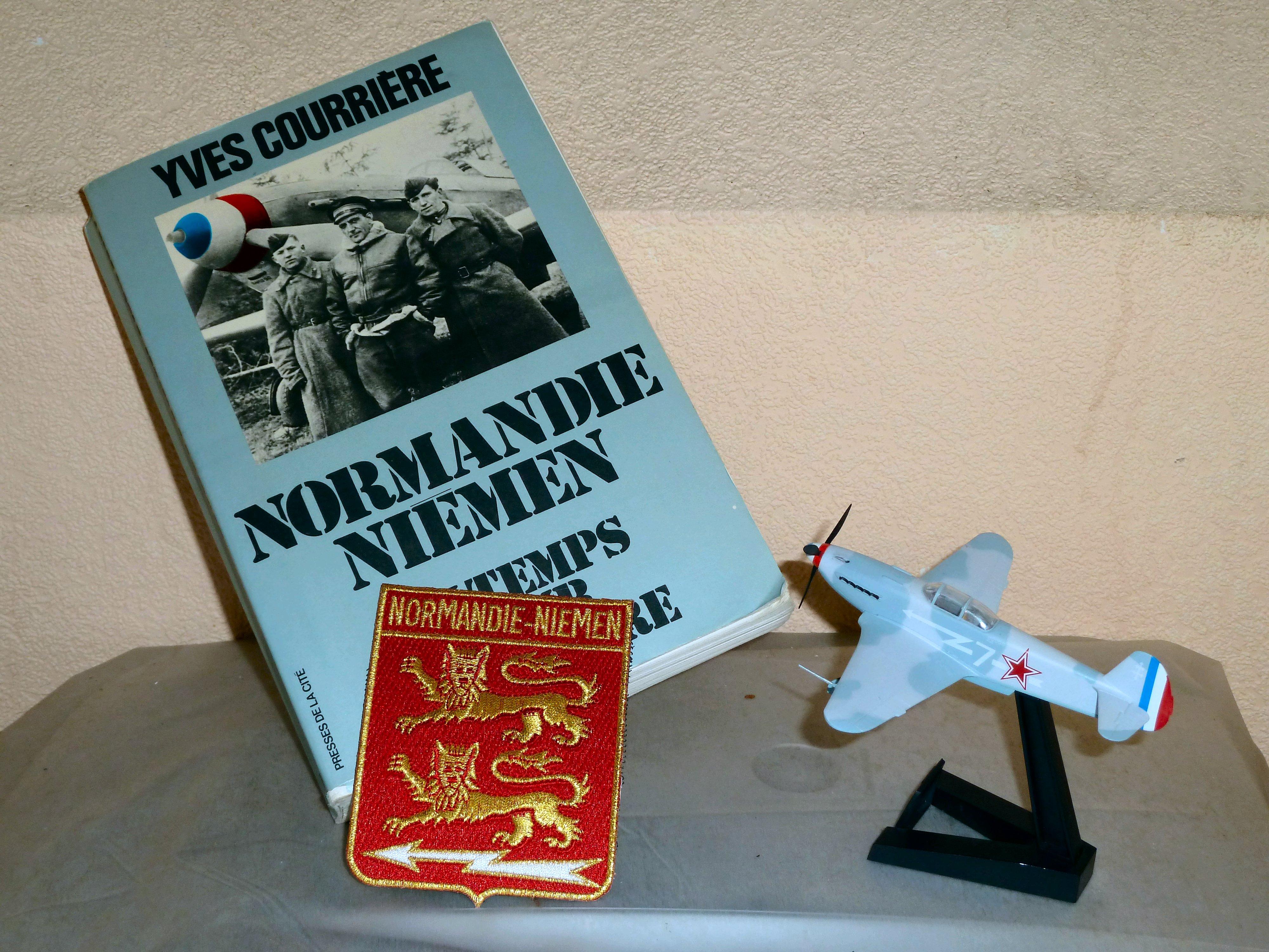 Velcro patch of the RC (Régiment de Chasse) 2/30 Normandie-Niemen