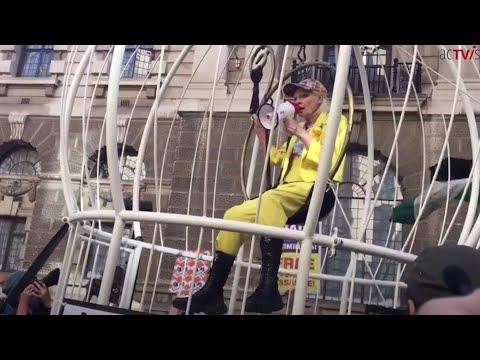 Assange Update: Fashion Designer Vivienne Westwood stages Protest & Psychological Torture Exposed