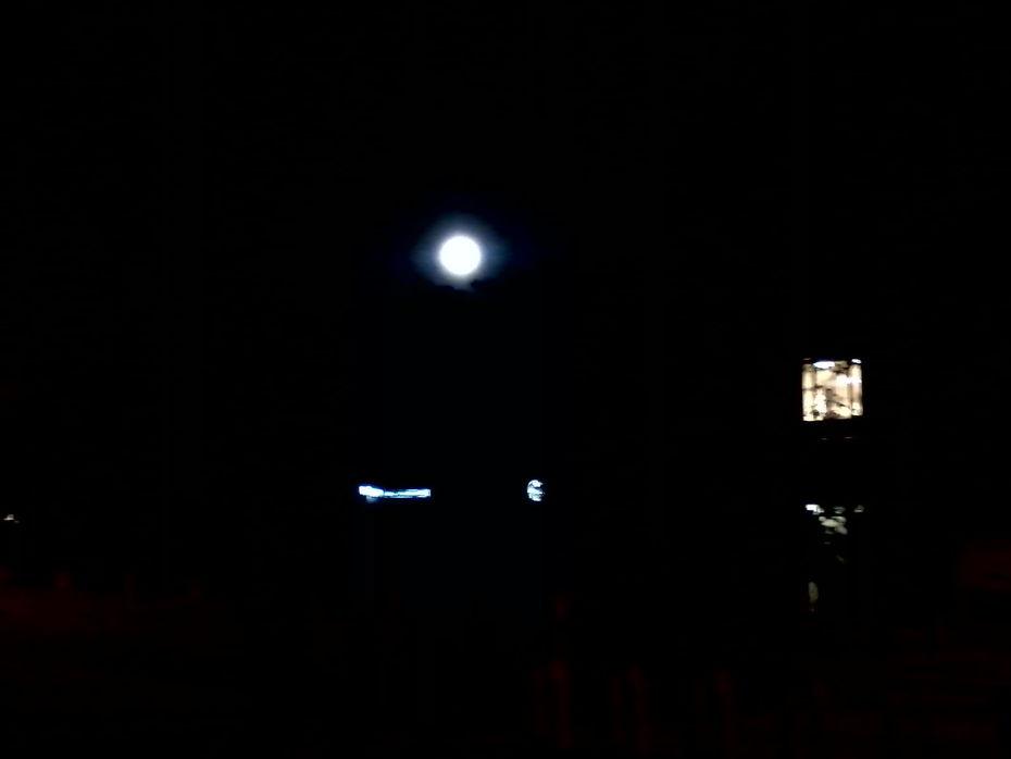 moon_over_boulder_2012