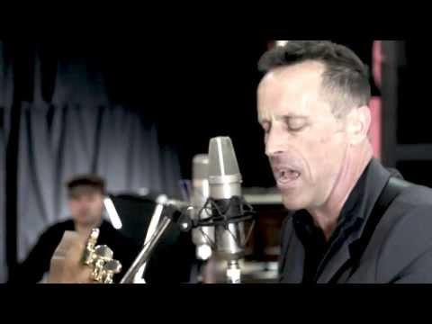 Mark Seymour & The Undertow - Caroline