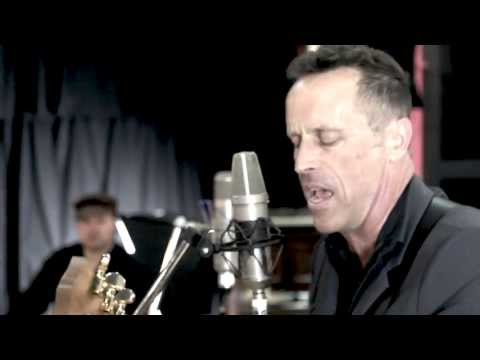 Mark Seymour & The Undertow - Caroline