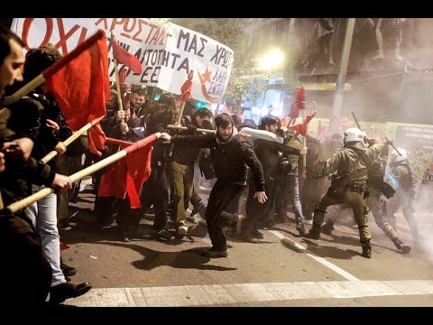 Clashes & tear gas as protesters demonstrate against Merkel's visit to Greece