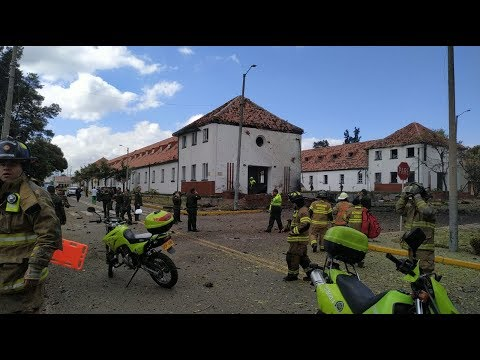 Carro bomba en Escuela General Santander  que hasta ahora deja 9 muertos y 22 heridos