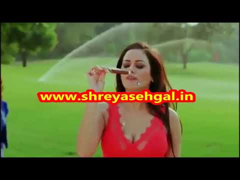 Take Hot and Sizzling Bath with Beauties of Delhi