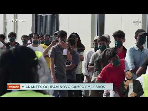 Imigrantes ocupam novo campo temporário em Lesbos, na Grécia