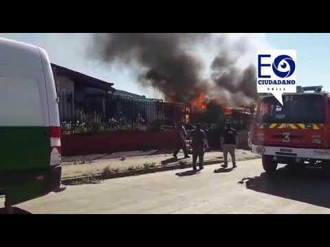 BOMBERO RESULTA HERIDO DE GRAVEDAD EN EL ROSTRO MIENTRAS COMBATIA INCENDIO DE VIVIENDA EN ANGOL - CHILE