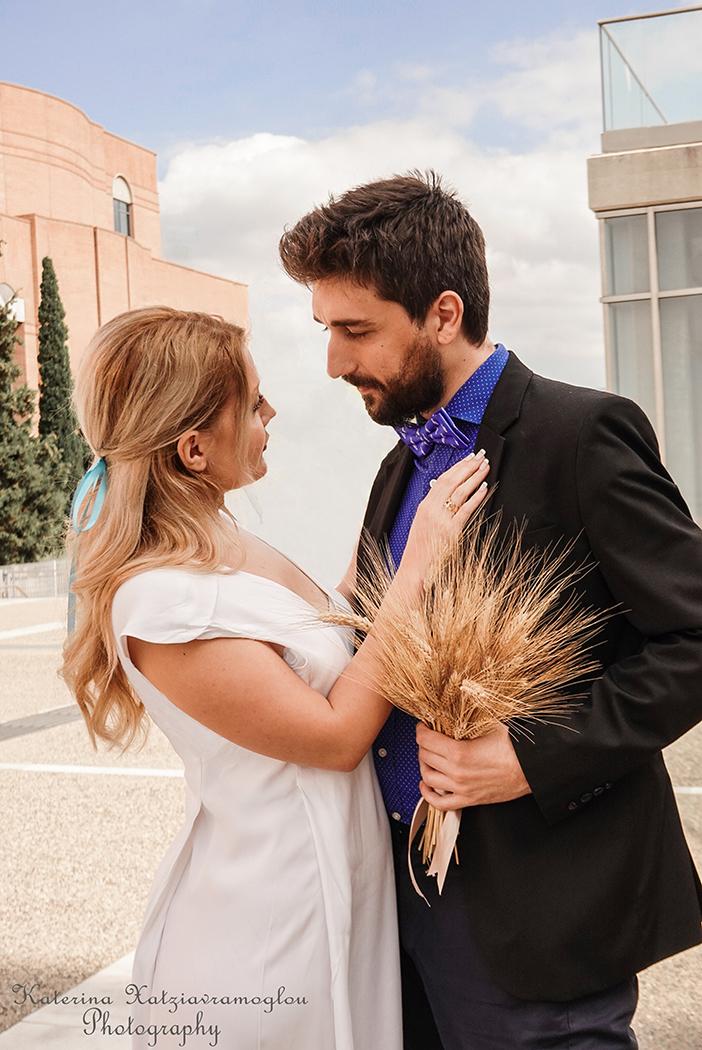 Ένας σκηνοθετημένος γάμος ( 4)