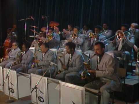 Count Basie and his Orchestra - Freckle Face
