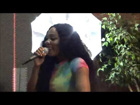 Beautiful Sexy Singer Idara Atiri on Bless The Mic Ciphers TV
