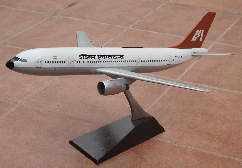 1:100 Indian Airlines A300B2