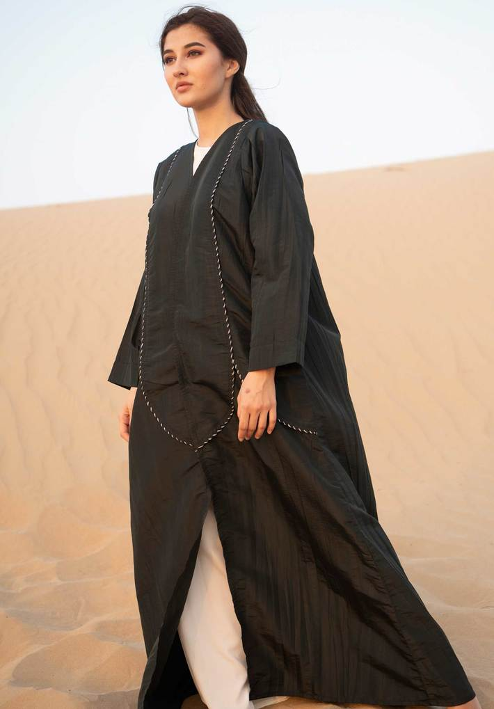 Black Abaya with Threadwork | Buy Abaya for Women at Moistreet