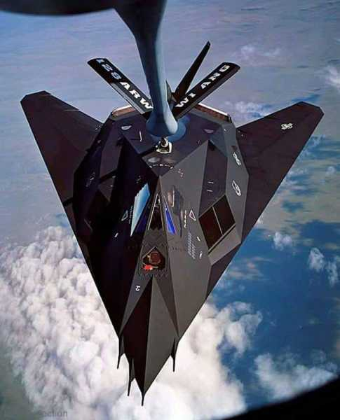 F117thgettingrefueled