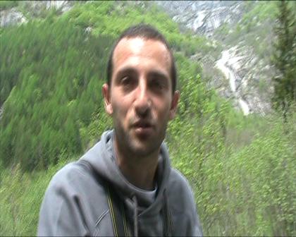 """Andrea Pavan describing """"Bimbobello"""", the hardest boulder in Val di Mello ?"""