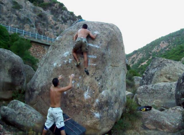 Bouldering in Rio Cannas, Sardinia part 2