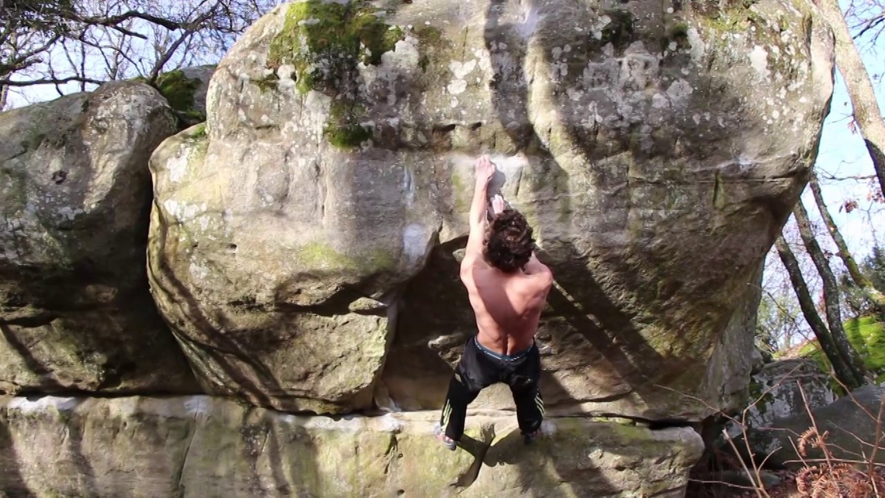 Guillaume Glairon mondet climbing in Fontainebleau