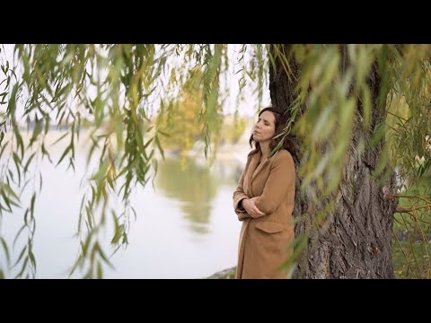 Ramona Darvasan - In asteptare (Official Video)