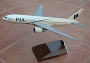 Pacmin 1:200 PIA B777-200ER