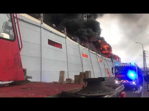 INCENDIO DE GRANDES PROPORCIONES EN POLIGONO INDUSTRIAL DE SESEÑA, TRABAJARON BOMBEROS DE MADRID Y TOLEDO - TOLEDO EN ESPAÑA