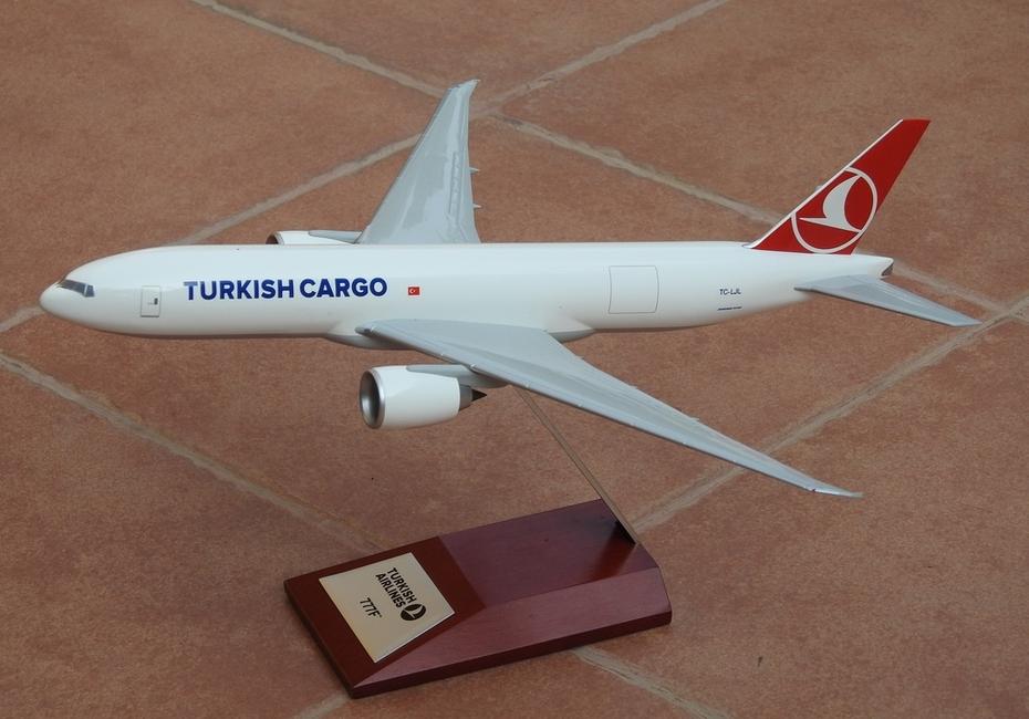 Hogan 1:200 Turkish Cargo B777F