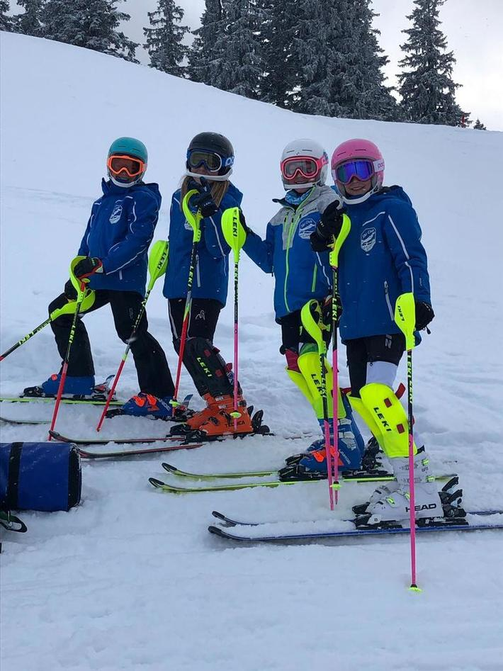 U12 Racing Team Slalom Training an der First